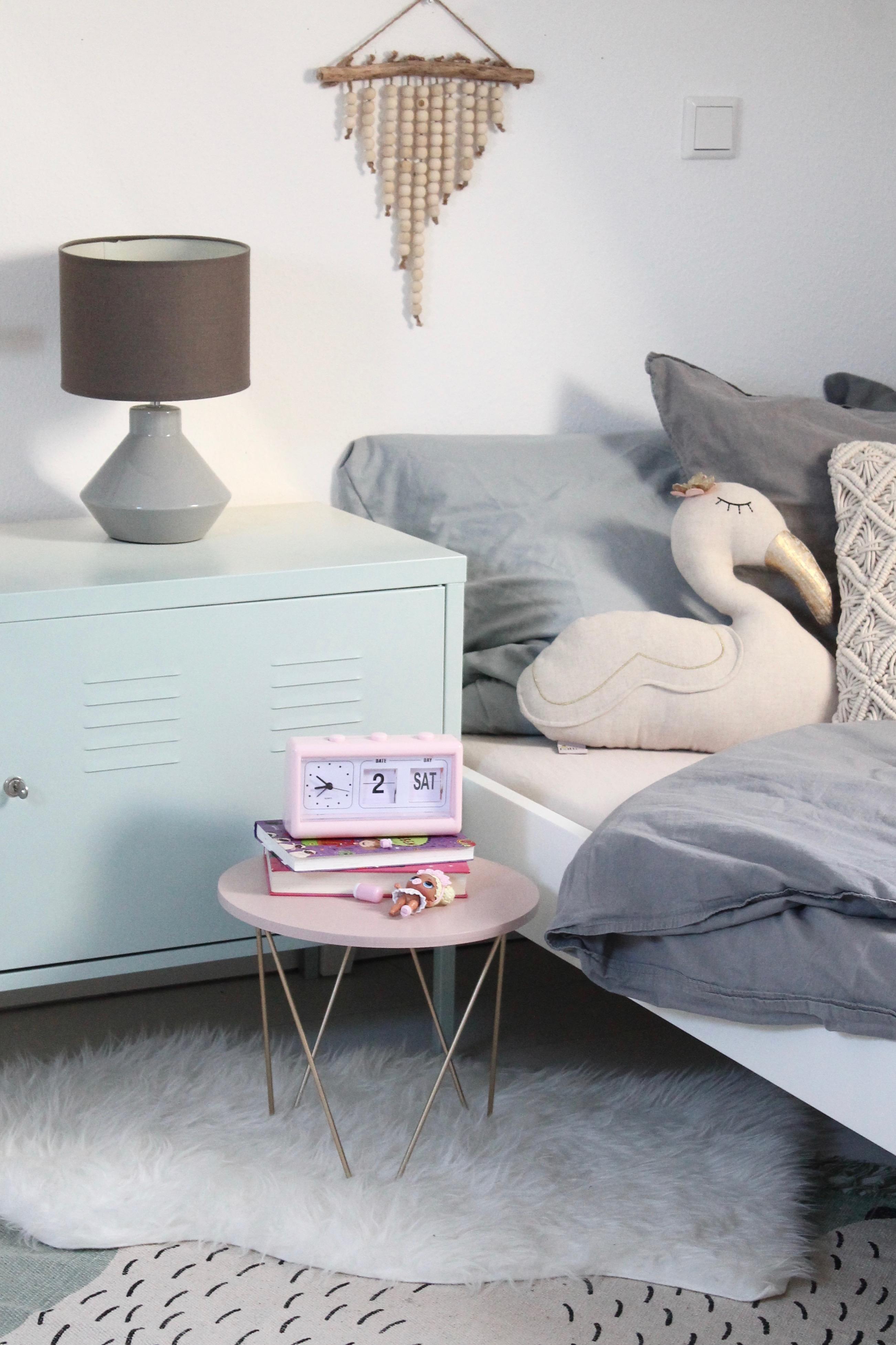 Ein neues Bett im Mädchenzimmer