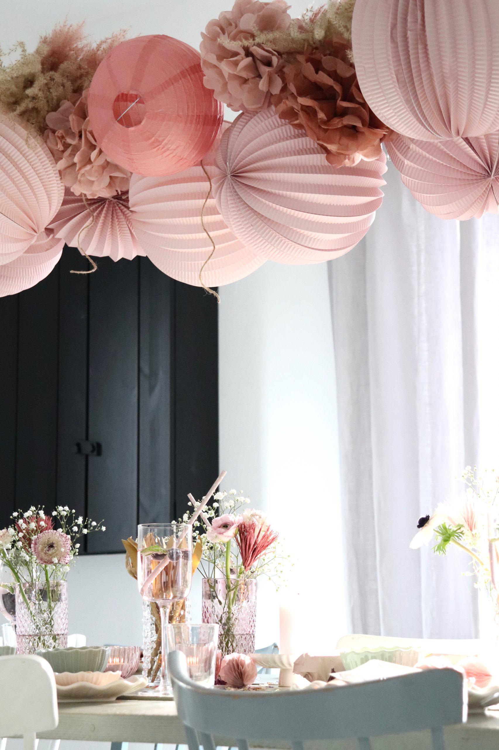 Eine Tischdeko in wunderschönen Rosatönen mit Søstrene Grene