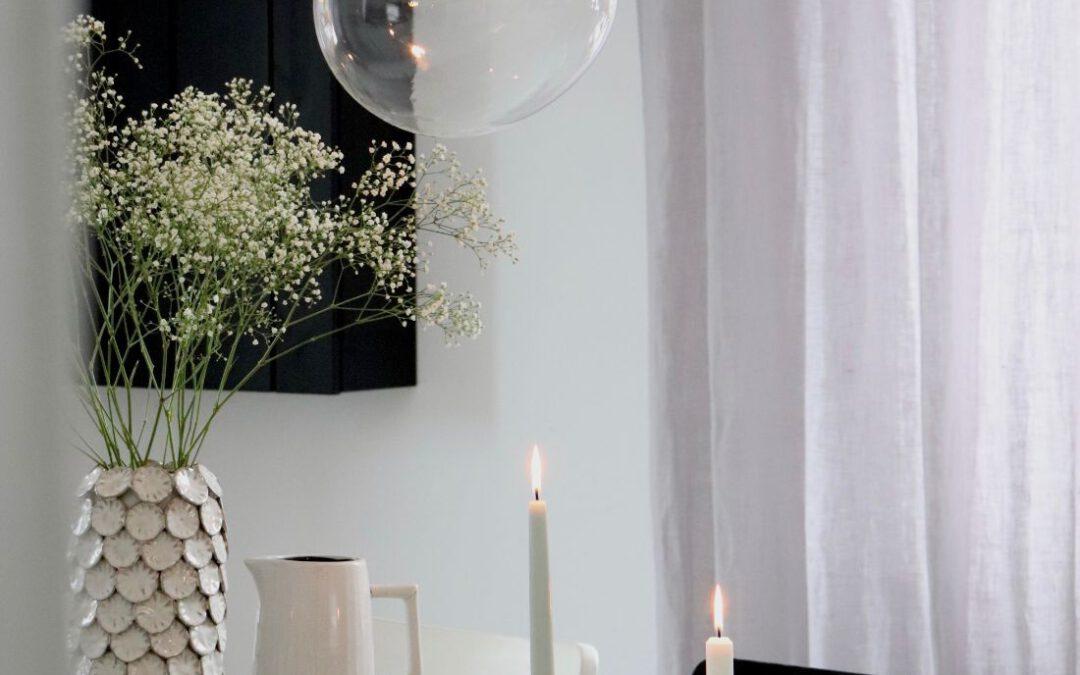 Dänische Glaskunst über unserem Esstisch: die Sky Lampen